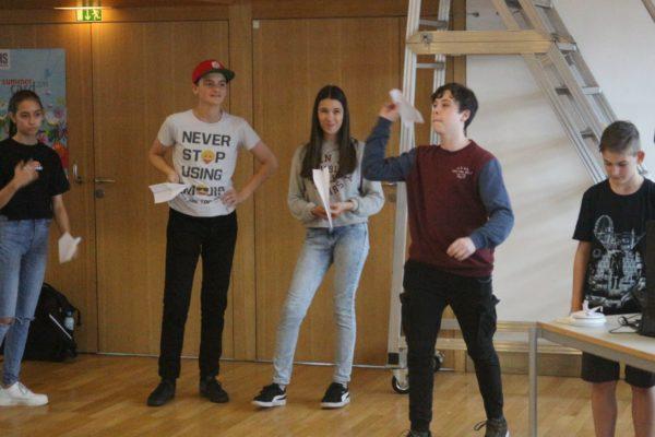 Papierfliegerwettbewerb