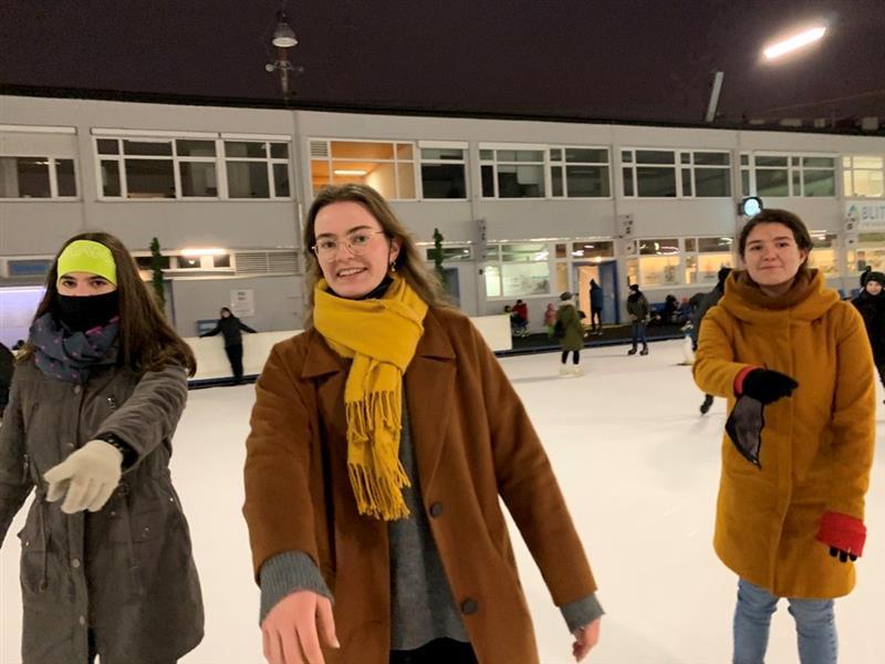 Eislaufen mit den Mädchen der 8. Klassen